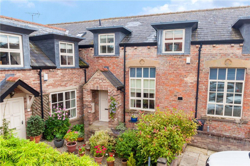 2 Bedrooms Unique Property for sale in All Saints Square, Ripon, North Yorkshire
