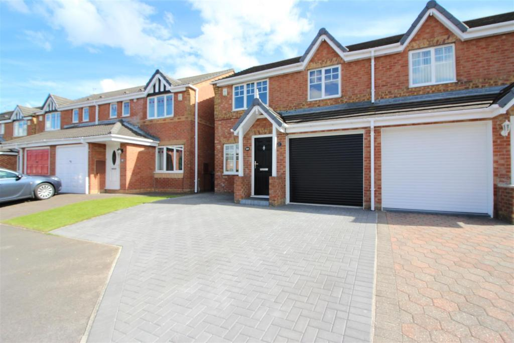 3 Bedrooms Semi Detached House for sale in Bede Close, Newcastle Upon Tyne