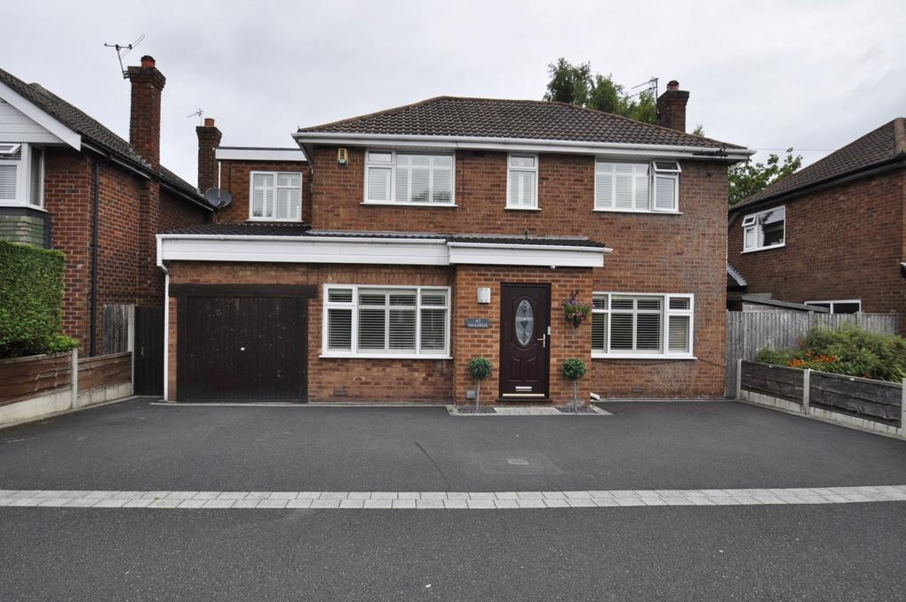 4 Bedrooms Detached House for sale in Meadway, Bramhall