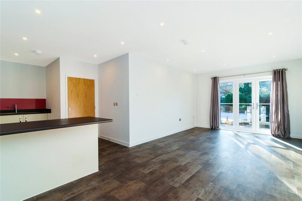 3 Bedrooms Flat for sale in Westwood House, 47 Old Devonshire Road, London, SW12