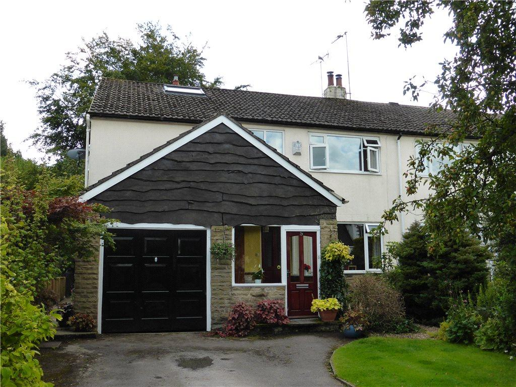 4 Bedrooms Semi Detached House for sale in Hawksworth Avenue, Guiseley, Leeds, West Yorkshire
