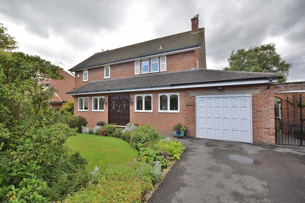 3 Bedrooms Detached House for sale in Redacre, Poynton