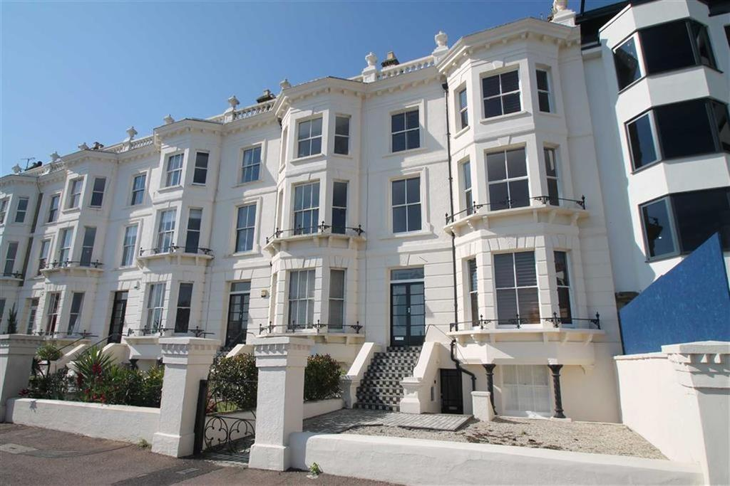 3 Bedrooms Apartment Flat for sale in Clifton Terrace, Southend On Sea, Essex