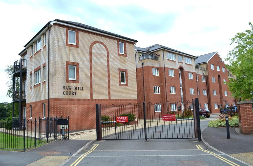 2 Bedrooms Apartment Flat for sale in Mills Way, Barnstaple