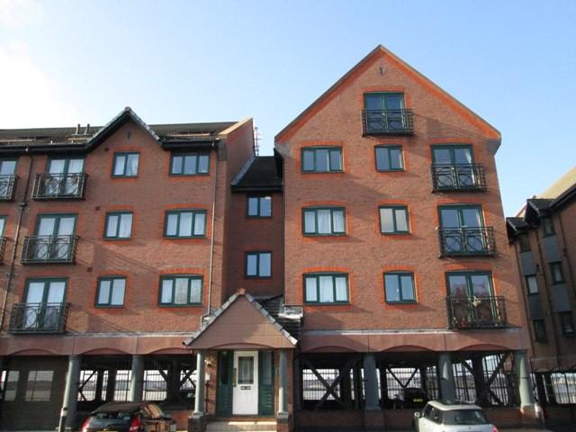 3 Bedrooms Duplex Flat for rent in South Ferry Quay, Liverpool L3