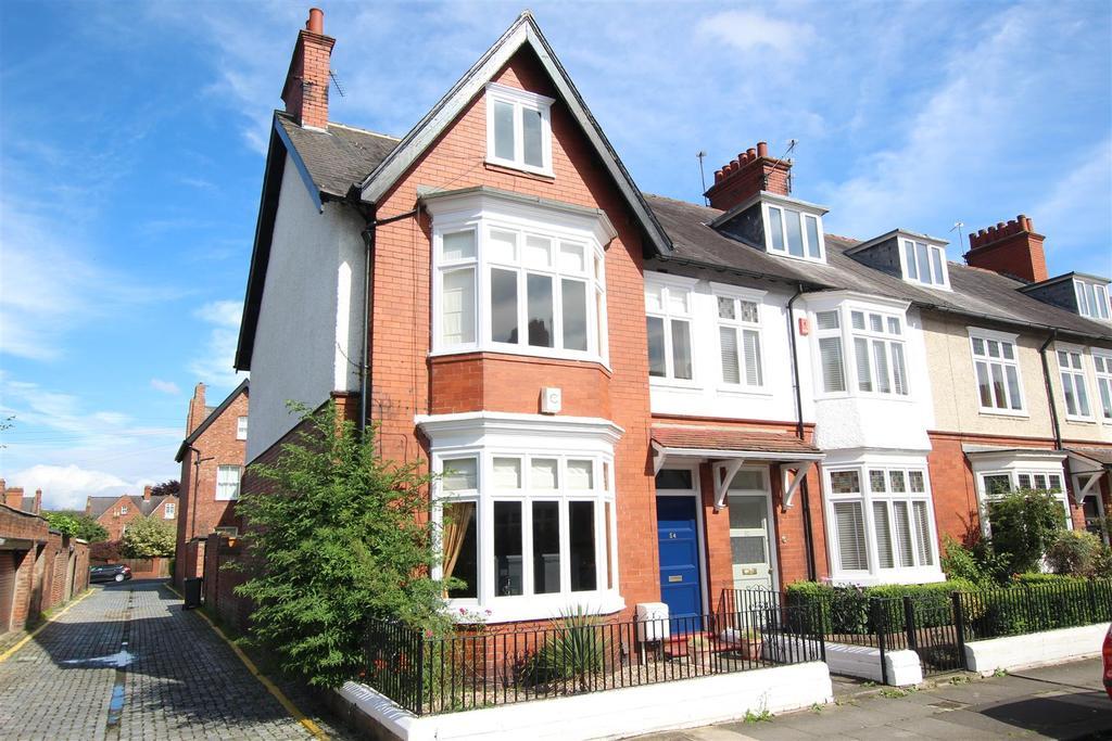 5 Bedrooms Town House for sale in Swinburne Road, Darlington