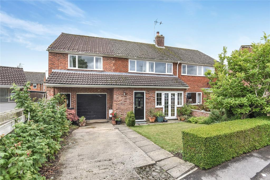 4 Bedrooms Semi Detached House for sale in Barrow Close, Marlborough, Wiltshire