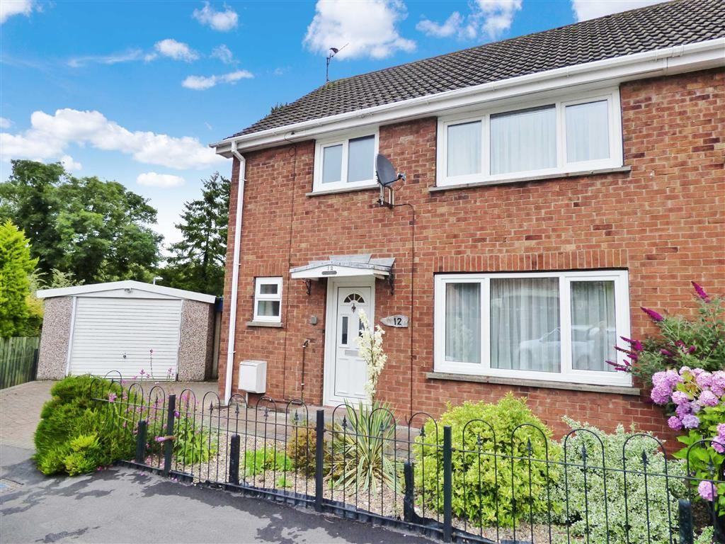 3 Bedrooms Semi Detached House for sale in Sherwood Close, Walkington