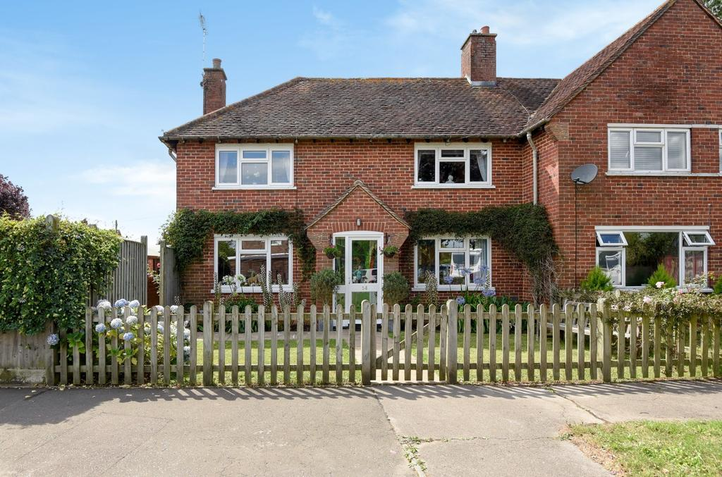 3 Bedrooms Semi Detached House for sale in Gospond Road, Barnham, Bognor Regis, PO22