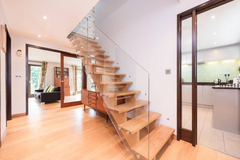 4 Bedrooms Semi Detached House for sale in Henley Avenue, Oxford, Oxfordshire