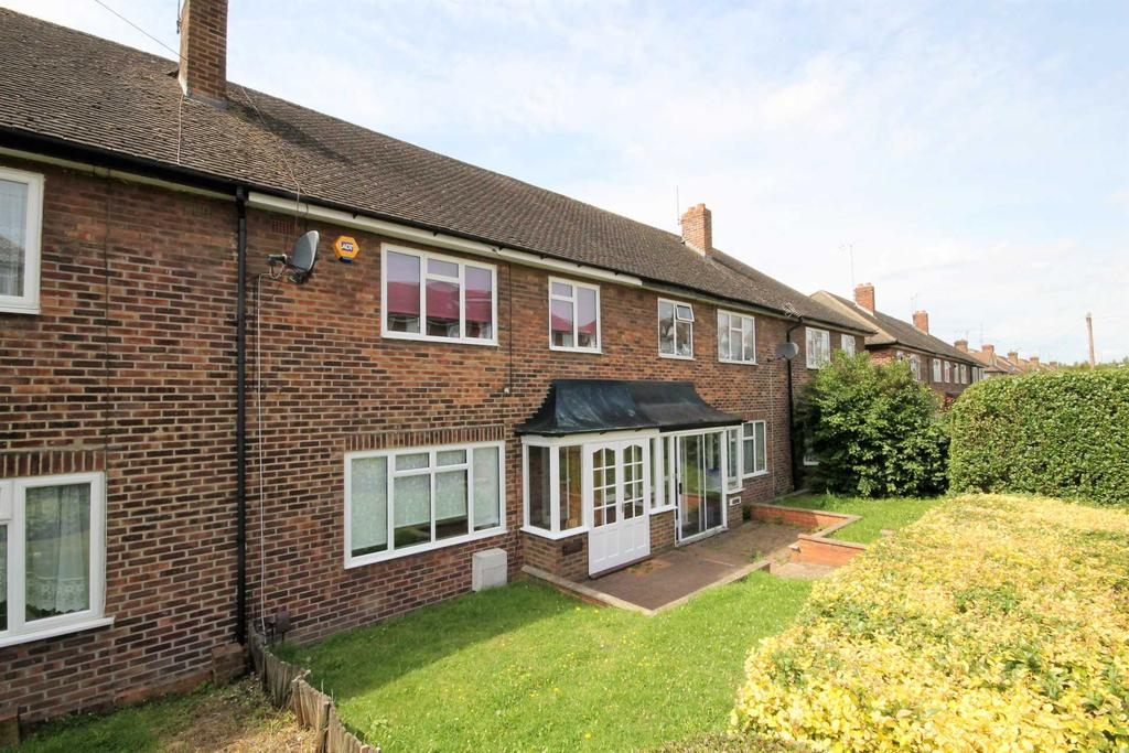 3 Bedrooms Terraced House for sale in Lynmouth Avenue, Morden