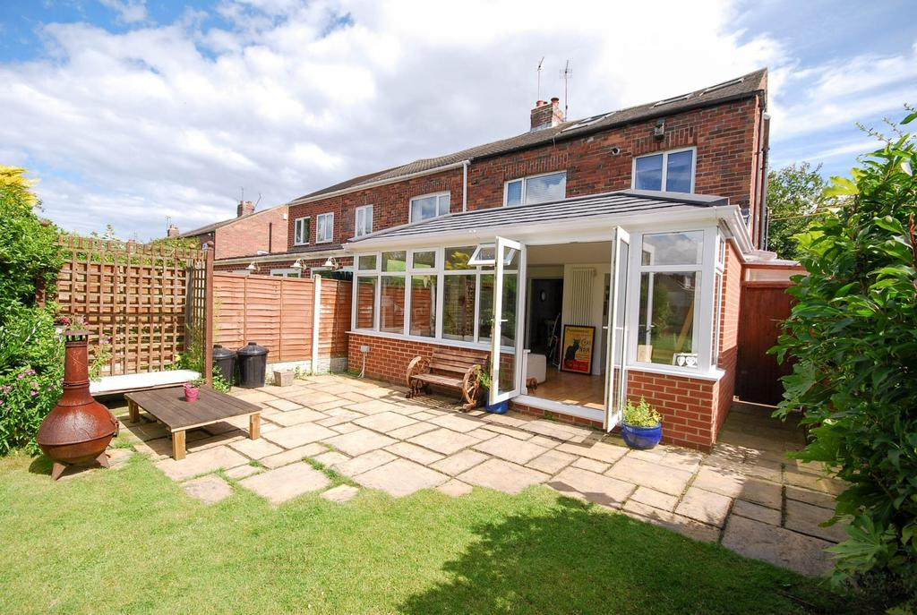 4 Bedrooms Semi Detached House for sale in The Hawthorns, East Boldon