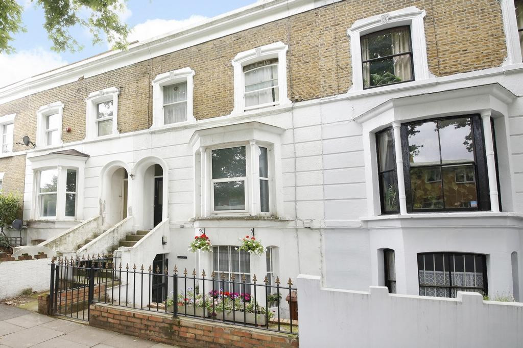 2 Bedrooms Flat for sale in Kings Grove, London, SE15