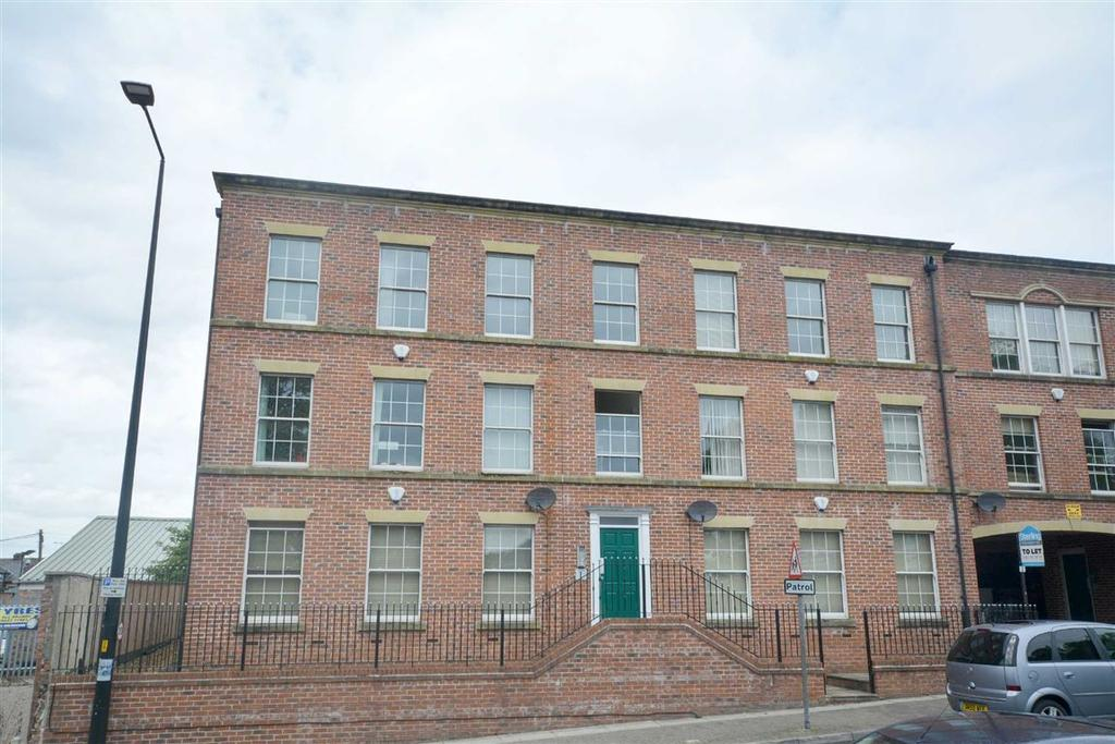 2 Bedrooms Apartment Flat for sale in Crossyard, Standishgate, Wigan, WN1