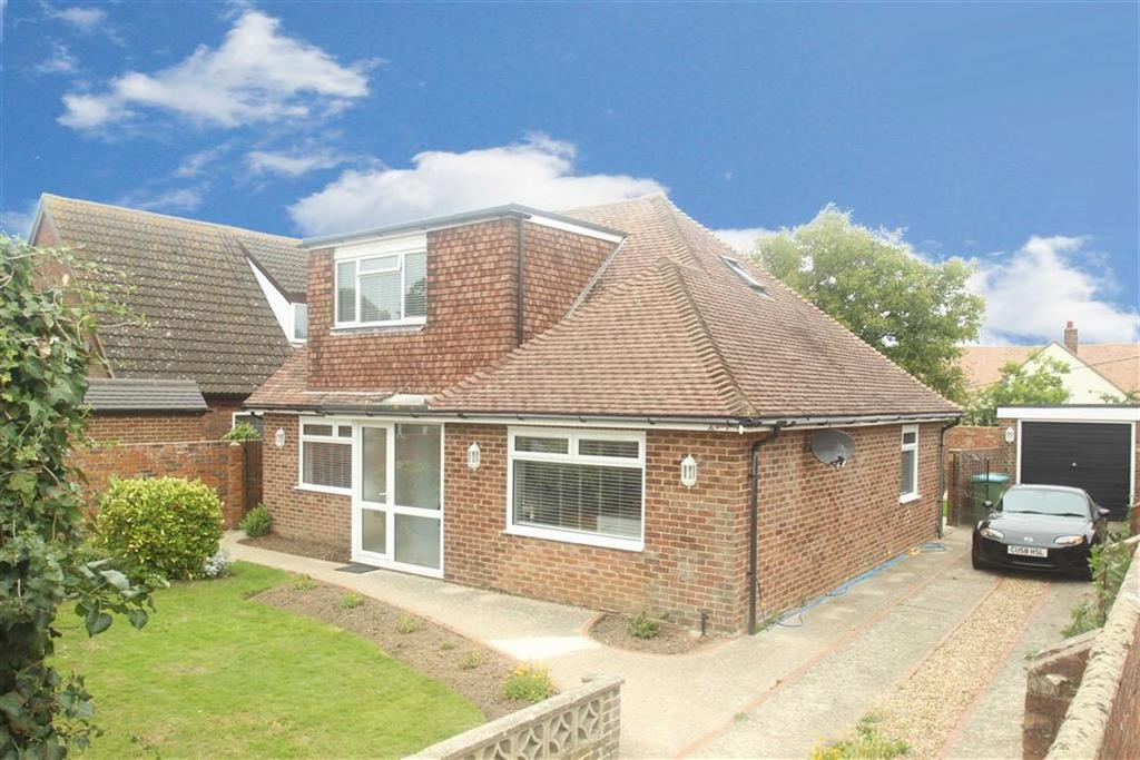 4 Bedrooms Chalet House for sale in Cudlow Avenue, Rustington, West Sussex