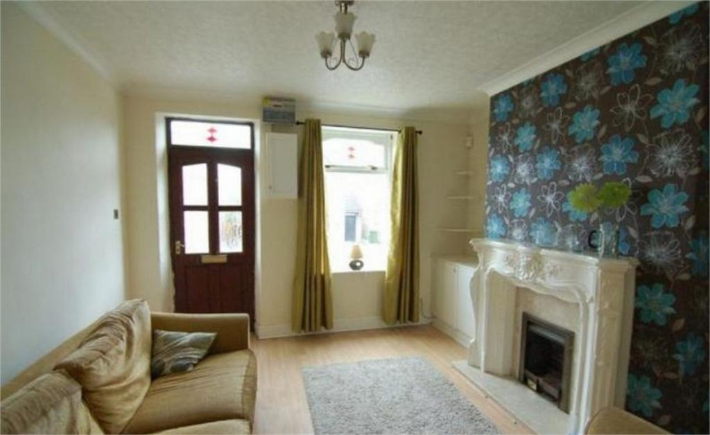 2 Bedrooms Terraced House for sale in School Street, Darfield, BARNSLEY, South Yorkshire