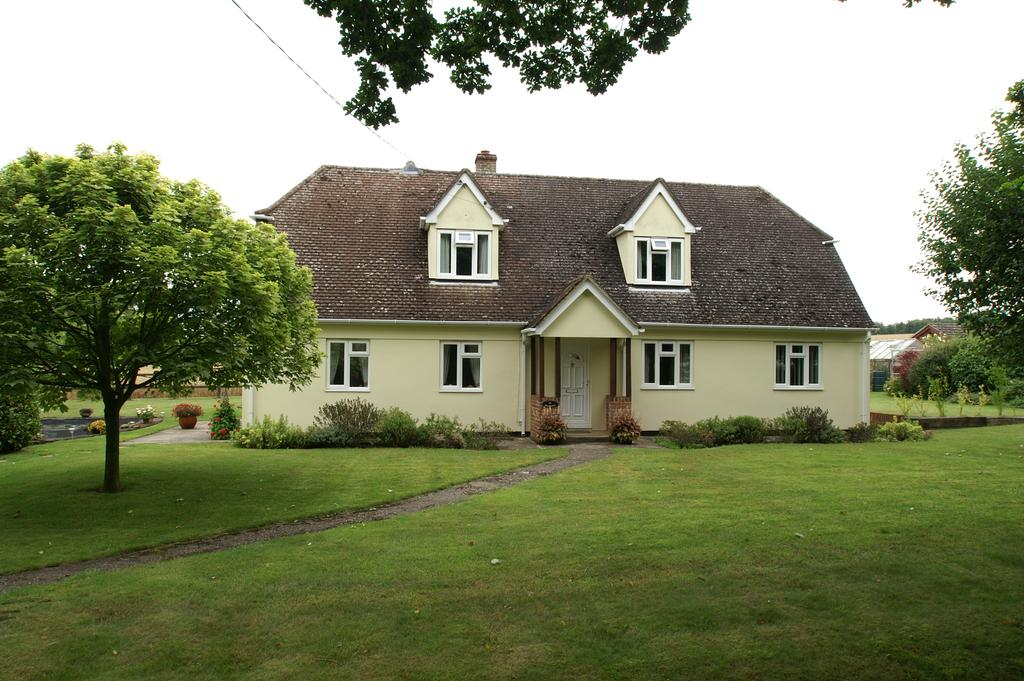4 Bedrooms Detached House for sale in 88 Mill Lane, Little Yeldham, Halstead CO9