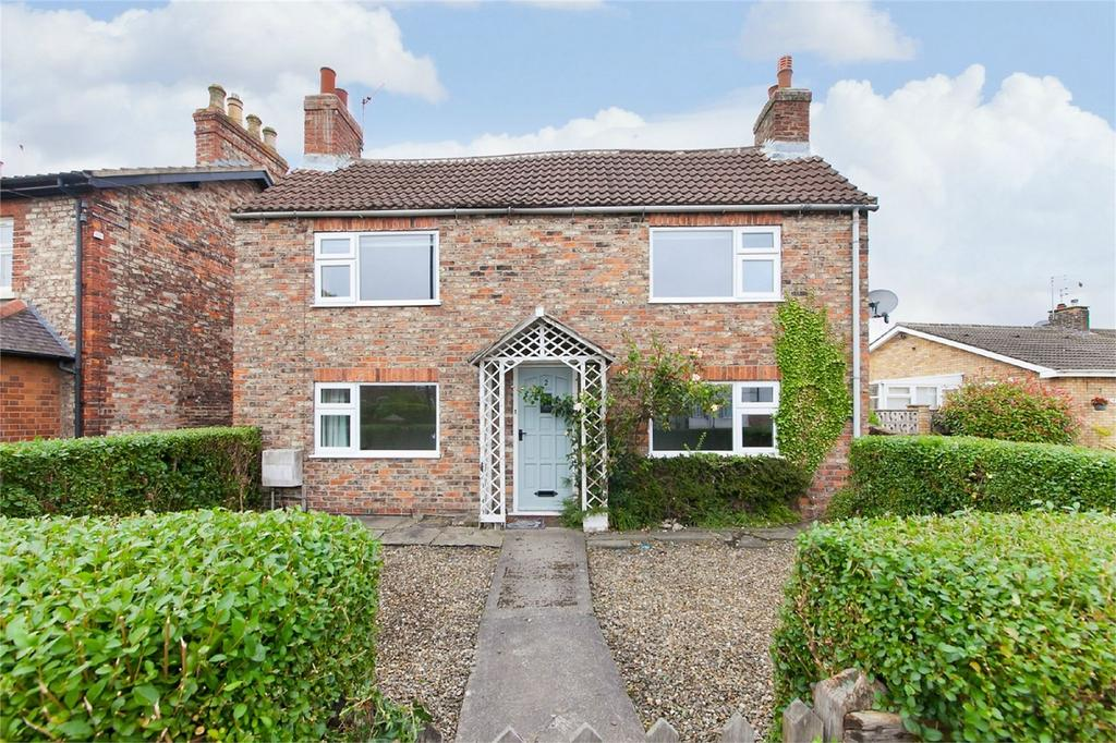 3 Bedrooms Detached House for sale in Strensall Road, Huntington, York