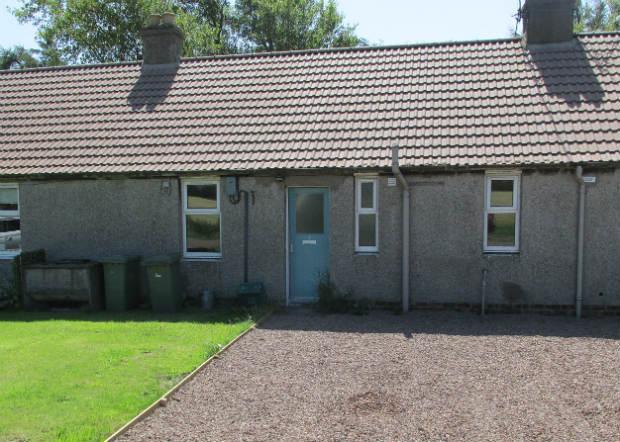 2 Bedrooms Terraced Bungalow