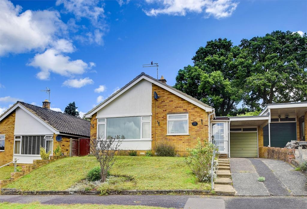 2 Bedrooms Detached Bungalow for sale in Churchill Crescent, Headley, Hampshire