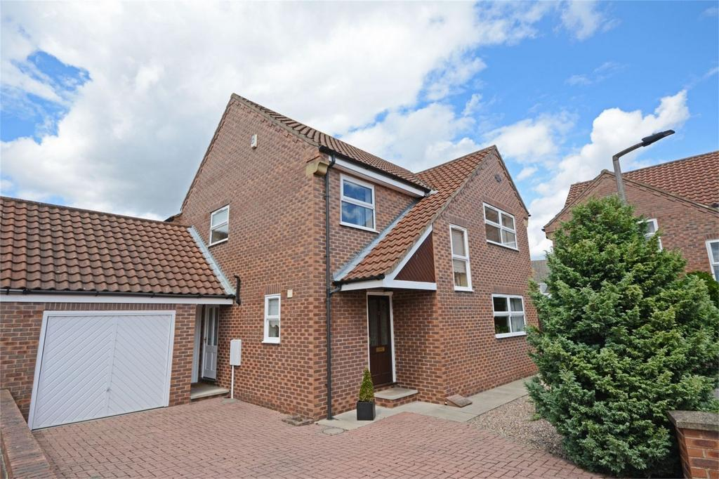 4 Bedrooms Detached House for sale in Chapmans Court, Dringhouses, YORK