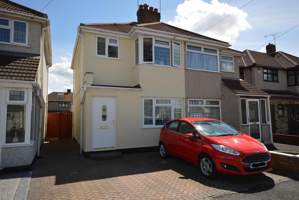 3 Bedrooms Semi Detached House for sale in Calbourne Avenue, Hornchurch, Essex, RM12