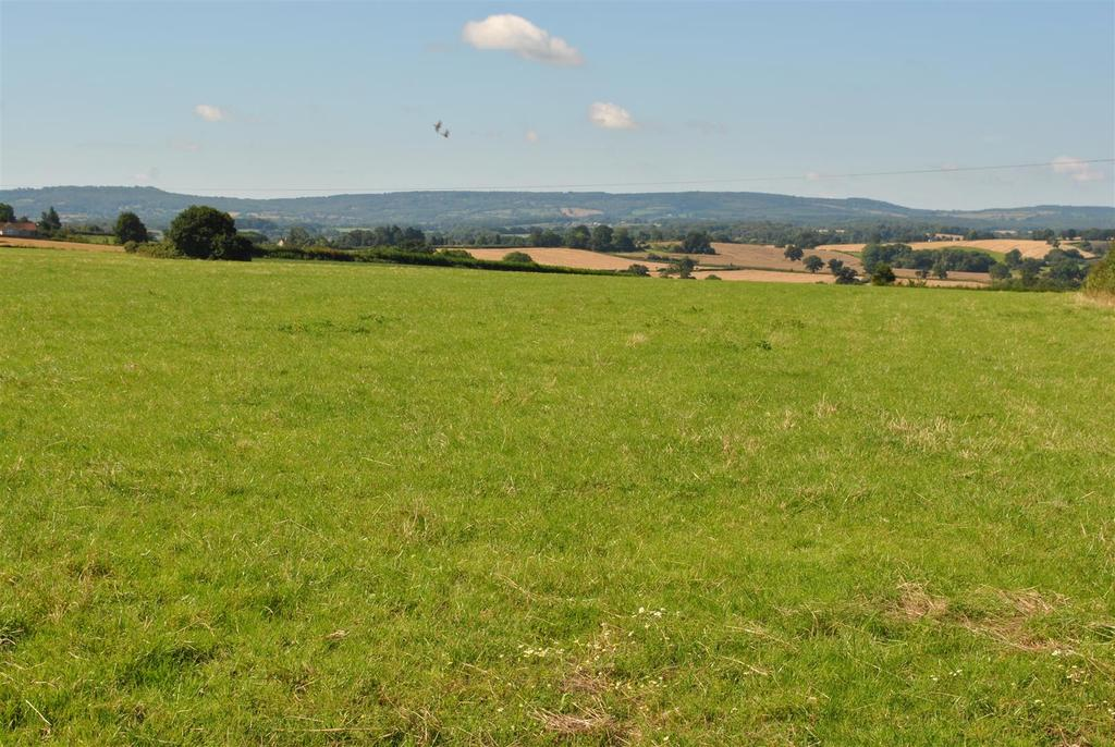 Land Commercial for sale in North Curry 54.4 Acres