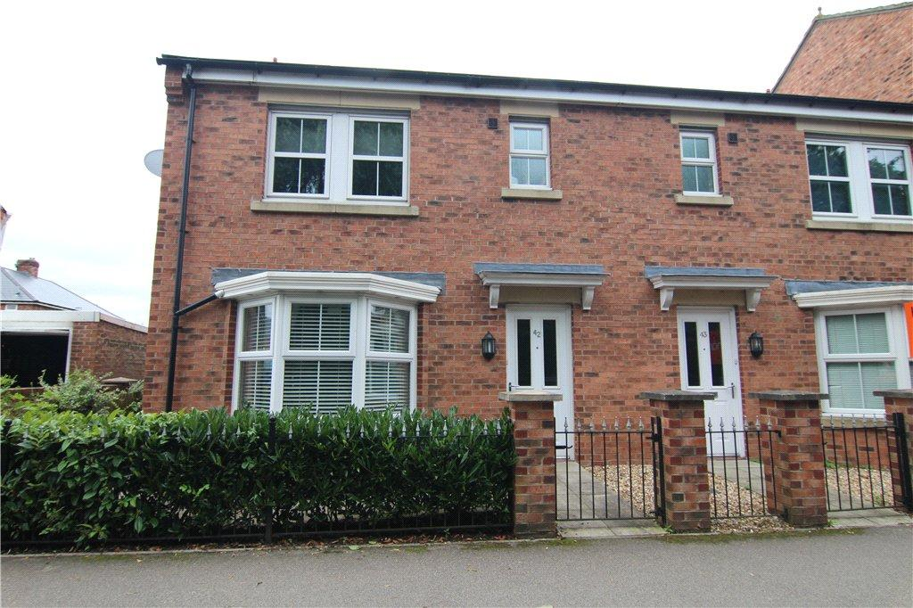 3 Bedrooms Semi Detached House for sale in Herons Court, Gilesgate, DH1