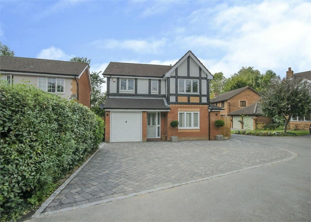 4 Bedrooms Detached House for sale in Burnt House Gardens, Warfield, Berkshire