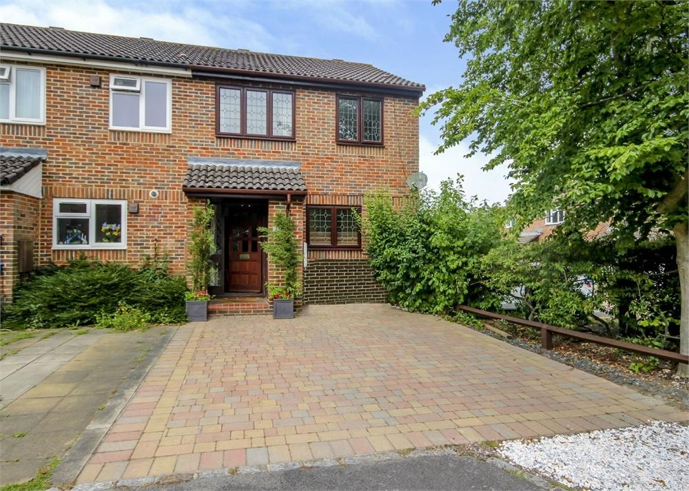 3 Bedrooms End Of Terrace House for sale in Chesterblade Lane, Forest Park, Bracknell, Berkshire