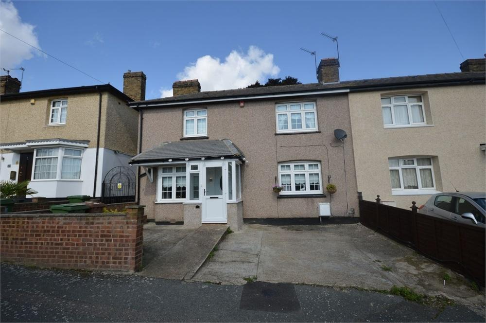 3 Bedrooms Semi Detached House for sale in Roberts Road, Upper Belvedere