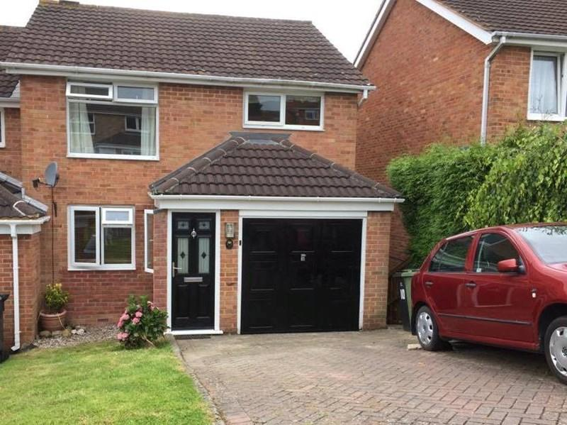 4 Bedrooms Semi Detached House for sale in Howard Close, Teignmouth