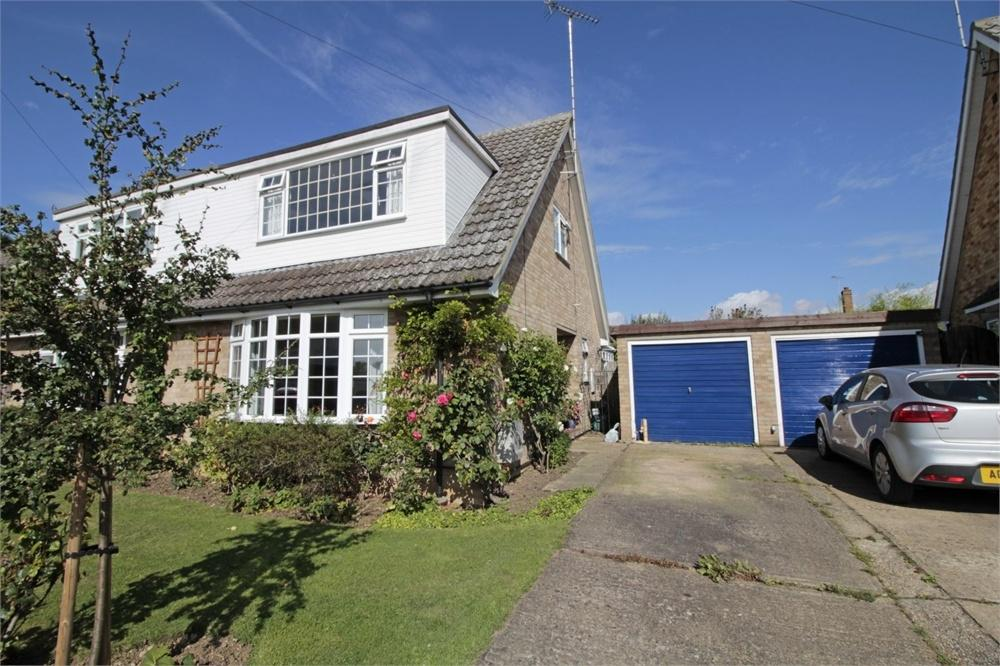 3 Bedrooms Semi Detached House for sale in Birchwood Close, Tiptree, COLCHESTER, Essex