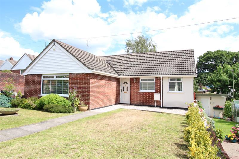 3 Bedrooms Detached Bungalow for sale in Dan Y Graig, Machen, Caerphilly