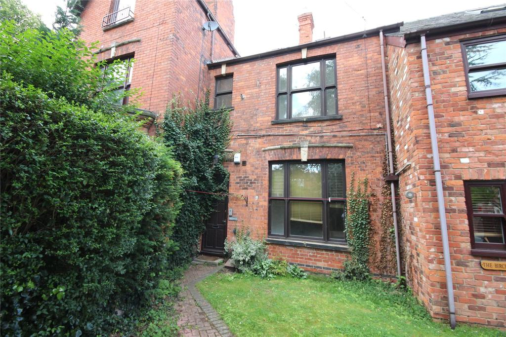 2 Bedrooms Maisonette Flat for sale in Abbey Park Road, Grimsby, DN32