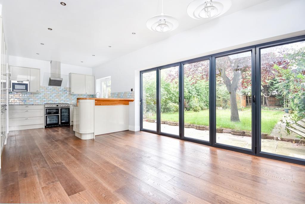 3 Bedrooms Semi Detached House for sale in Eltham Hill Eltham SE9