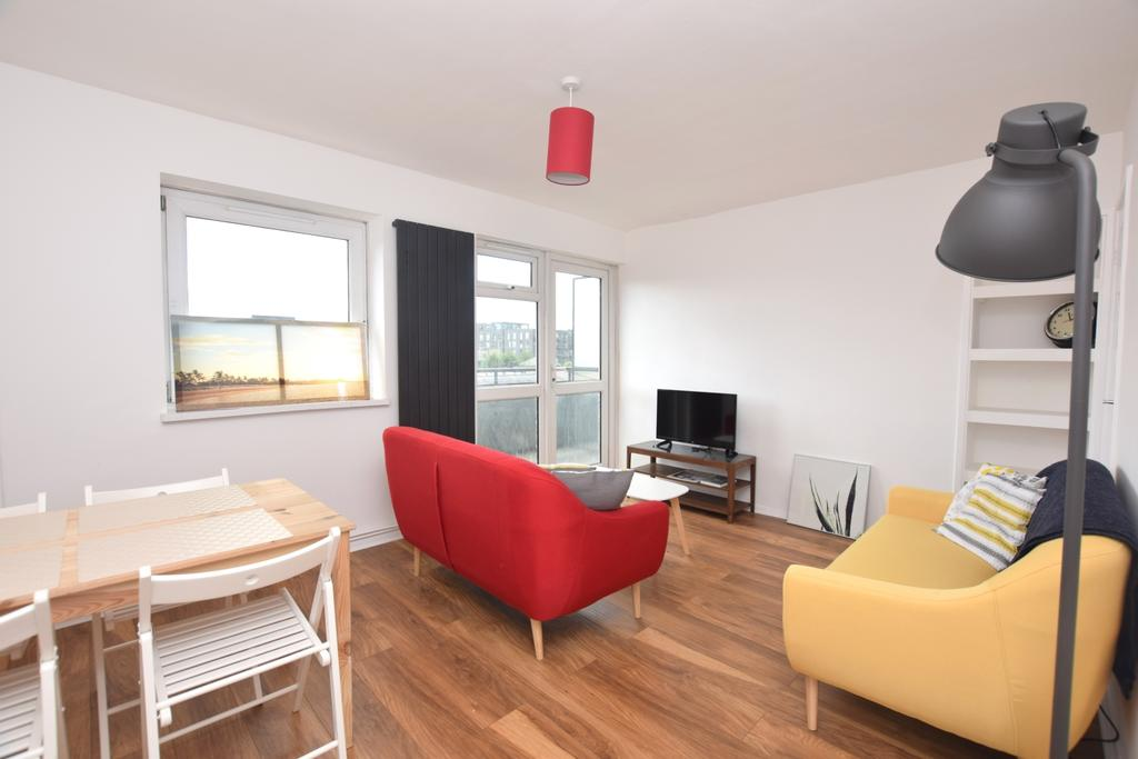 2 Bedrooms Flat for sale in St. Saviours Estate London Bridge SE1
