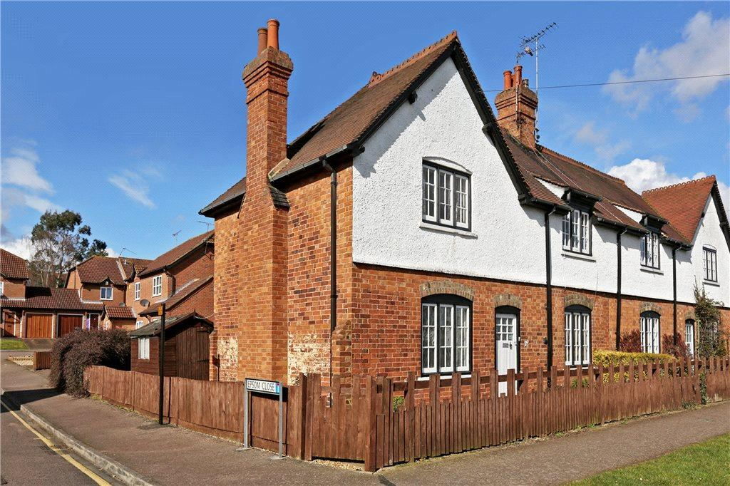 3 Bedrooms Semi Detached House for sale in Southcott Village, Leighton Buzzard, Bedfordshire