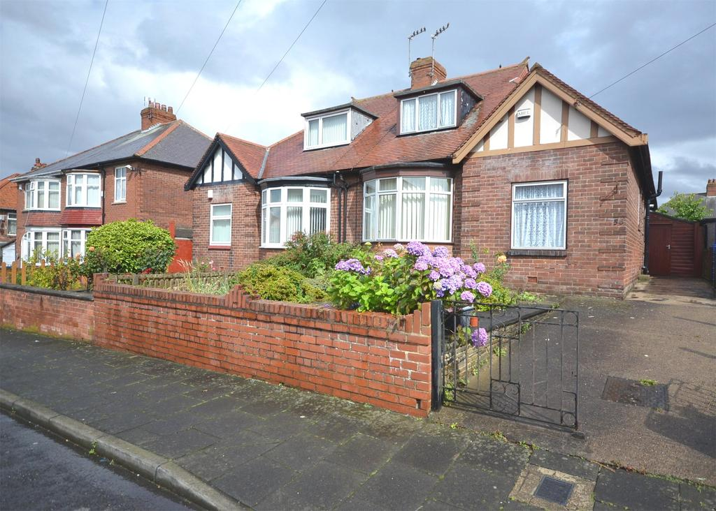 2 Bedrooms Semi Detached Bungalow for sale in Fenham