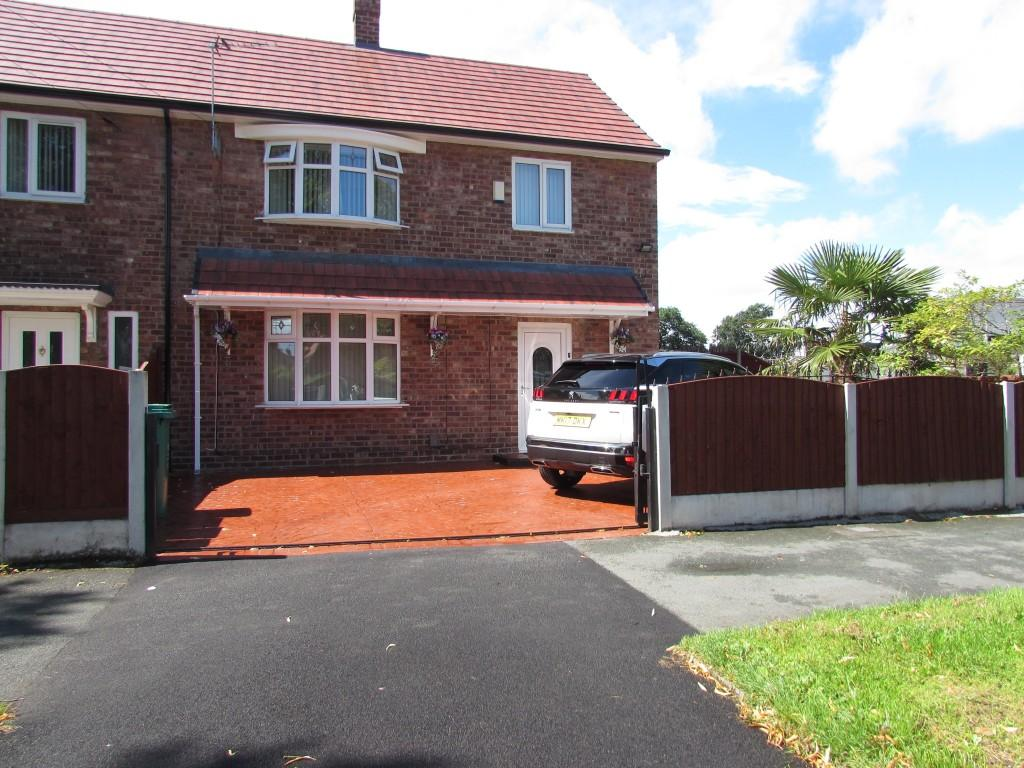 3 Bedrooms End Of Terrace House for sale in Portway, Woodhouse Park, Manchester