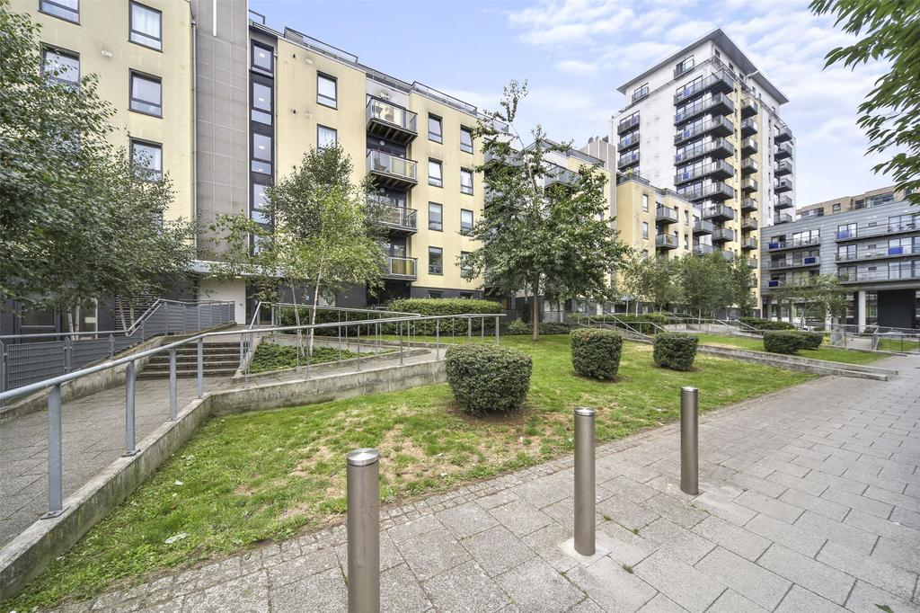 2 Bedrooms Flat for sale in Tarves Way, Greenwich, London, SE10