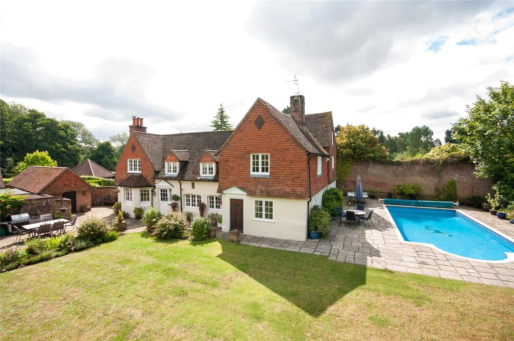 5 Bedrooms Detached House for sale in Home Farm Close, Betchworth, Surrey, RH3