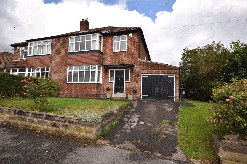 3 Bedrooms Semi Detached House for sale in Oakwell Avenue, Roundhay, Leeds