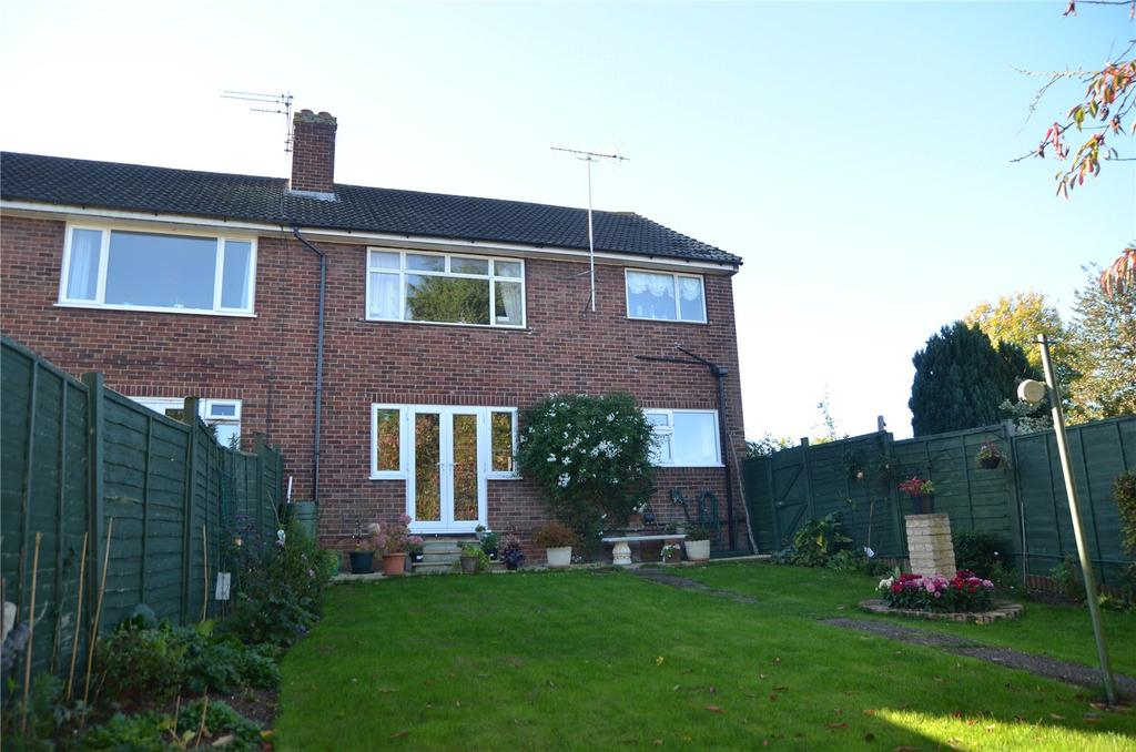 2 Bedrooms Maisonette Flat for sale in Rydal Avenue, Tilehurst, Reading, Berkshire, RG30