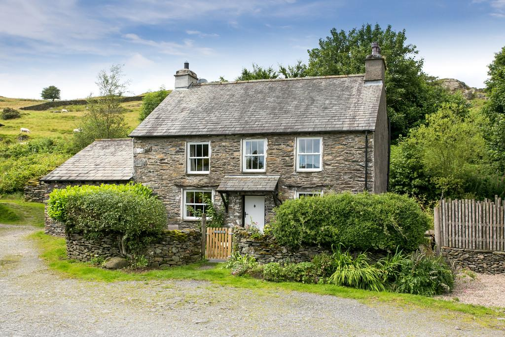 5 Bedrooms Farm House Character Property for sale in Hagg End, Crook, Kendal, Cumbria, LA8 9HS