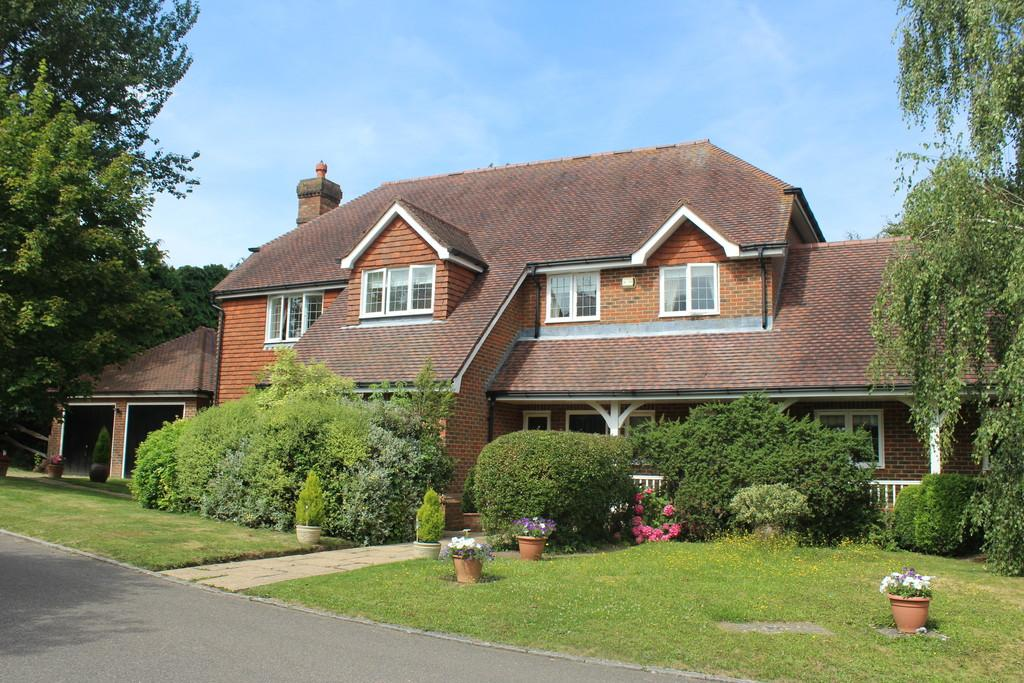 5 Bedrooms Detached House for sale in The Street, Thakeham