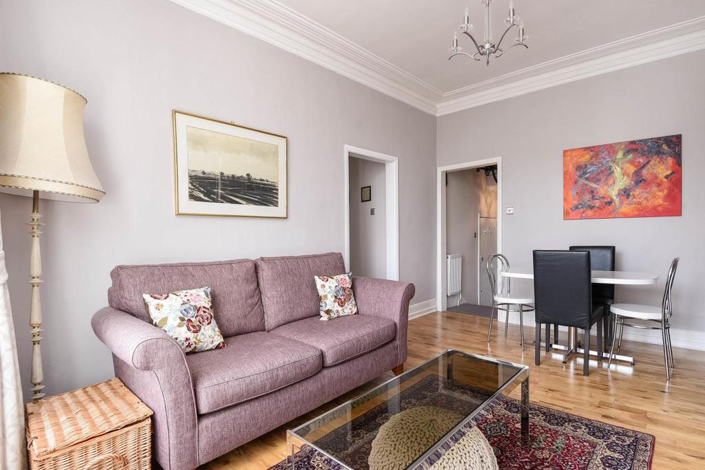 3 Bedrooms Flat for sale in Stockwell Road, Brixton