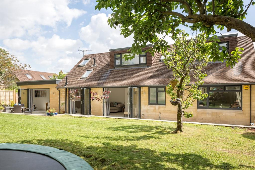 4 Bedrooms Detached House for sale in St. Stephens Close, Bath, BA1