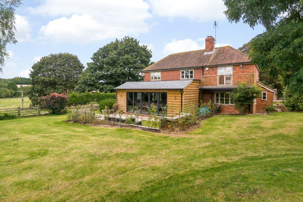 5 Bedrooms Detached House for sale in Coombe Road, Compton, Newbury, Berkshire, RG20
