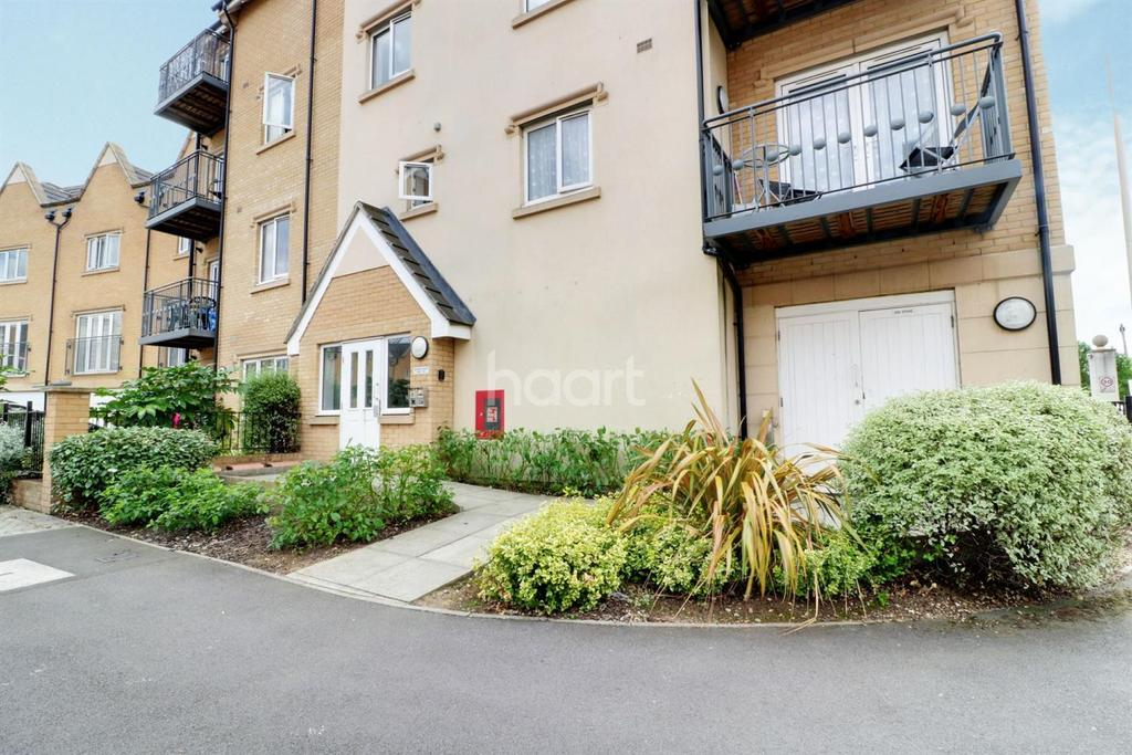 1 Bedroom Flat for sale in Hayes End